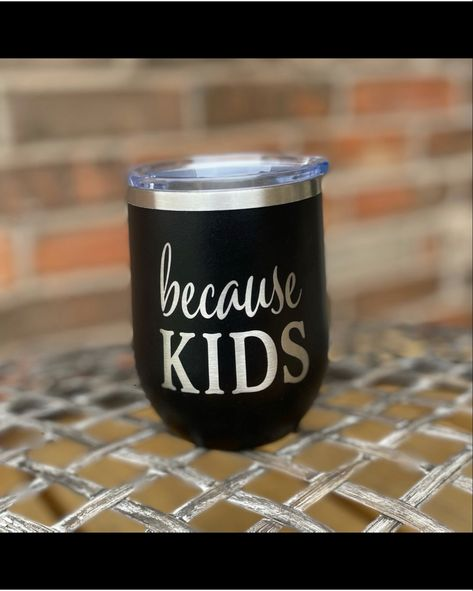 #personalizedgift a wine tumbler that keeps drinks hot or cold! #customizedgift #giftsforwomen #giftsformom #bridesmaidgift