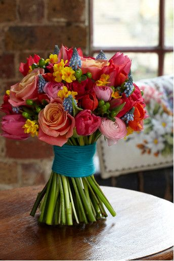 colours! Would love colorful bouquet and girls wear different colored shoeless with fuscia dress