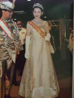 美智子様の皇太子妃時代の豪華なドレス