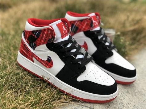 the best attitude fb696 3ee66 Air Jordan 1 Mid GS White Plaid Girls Size For Sale-1