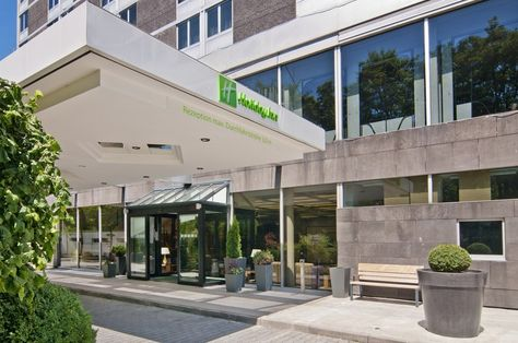 New Holiday Inn Munich Effnerstra e Munich Germany located m from the Englischer Garten and only km from the city centre us Hauptbahn u