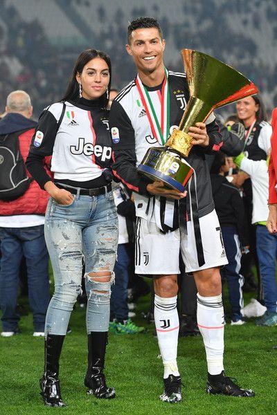 Cristiano Ronaldo And Georgina Rodriguez Photos Photos Juventus Vs Atalanta Bc Serie A In 2020 Cristiano Ronaldo Juventus Ronaldo Photos Cristiano Ronaldo Style