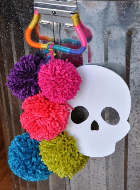 Artelexia: Day of the Dead DIY #15: Pom-Pom Waste Bin