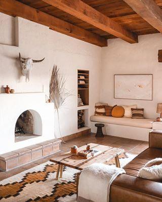 Posada by The Joshua Tree House - Sagauro National Park, Tucson, AZ - Airbnb® Southwestern Home, Southwestern Decorating, Southwest Bedroom, Southwest Home Decor, Southwest Style, Home Decor Signs, Cheap Home Decor, Küchen Design, House Design