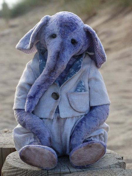 Elephant Glossy by Jelena Morozova