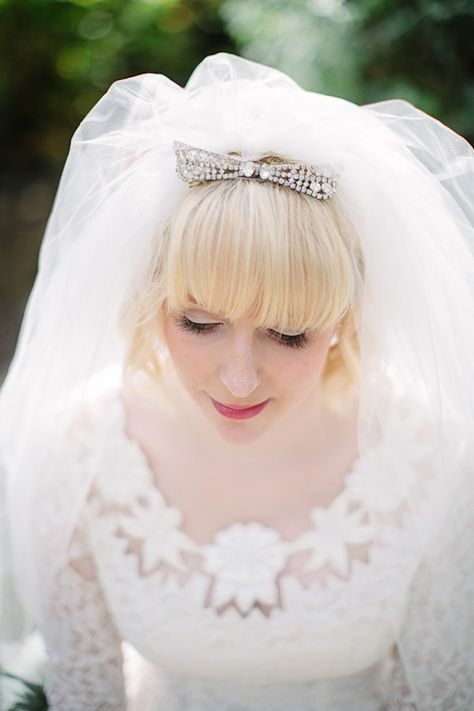 Vintage Veil captured by Lauren Rutherford #wedding #vintage