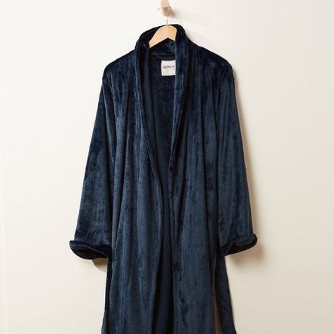 Courtesy of Upwest, this robe's as soft and cozy as your favorite blanket and designed with a relaxed fit that'll make the lucky recipient never want to take it off. Complete with a long matching belt, the plush robe will keep them wrapped up in warmth and comfort. Click through for more 5th Anniversary Gift Ideas! #5thanniversarygift #anniversarygifts #weddinganniversary #anniversarygiftideas #bathrobe #plushrobe