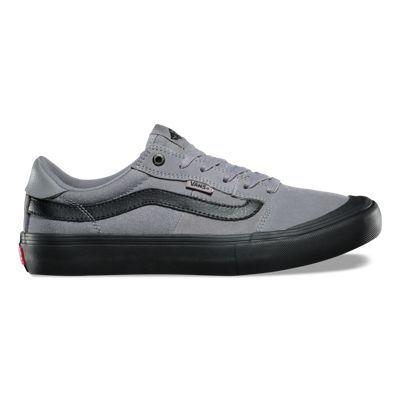 online store bfff8 8228b Nike Men s Air Safari Vintage Sneaker in burgundy   beige at oki-ni   Shoes    Pinterest - Schuhe