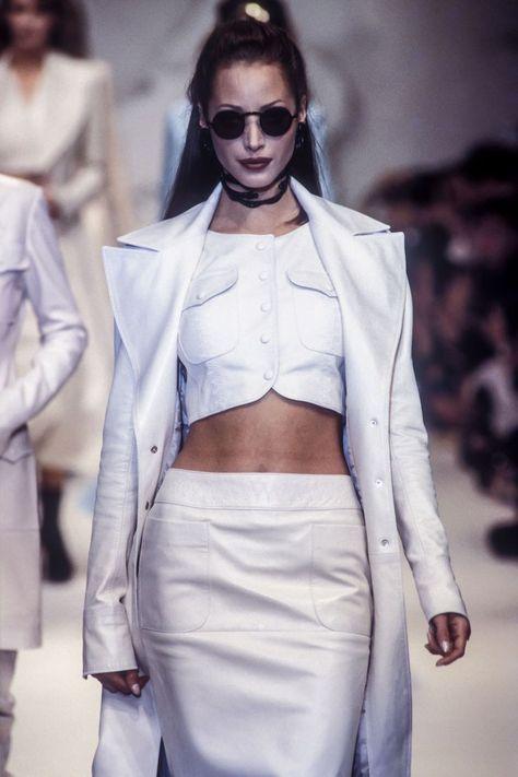 Christy turlington walked for karl lagerfeld rtw s/s 1993 fashion, white fashion