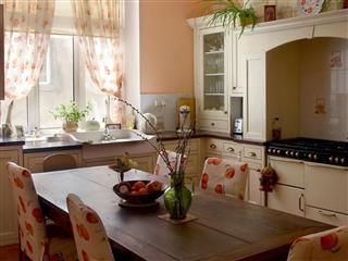 What Your Kitchen Table Says About You Small Cottage Kitchen