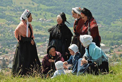 Epingle Sur Costumes Traditionnels Savoie Haute Savoie
