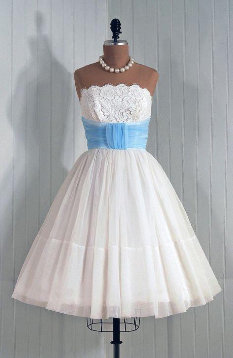 Nice vintage wedding dresses and headpiece