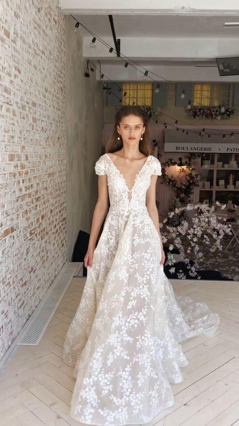 Больше платьев в нашем инстаграме @marytrufel_official  Wedding dress in our Instagram @marytrufel_official  #weddingdress #свадьба #коллекция2021 #свадебноеплатье2021 #weddresss #свадебноеплатье