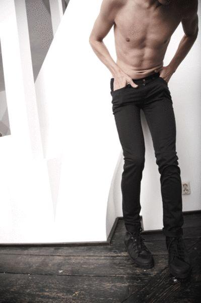 "frankybay57: "" sexualplayer: "" versatilegay: ""Hot skinny twink in hot skinny jeans! "" http://sexualplayer.tumblr.com/archive "" Woooow :) geil absolut wow """