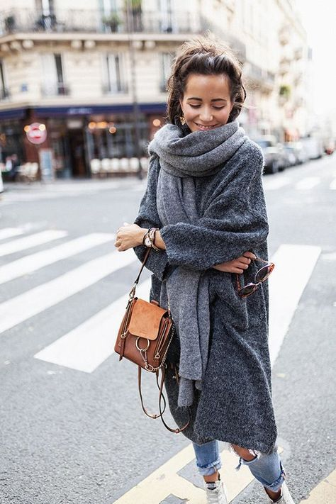 Winter style, grey coat, big scarf, fashion - my kinda style - Winter Mode