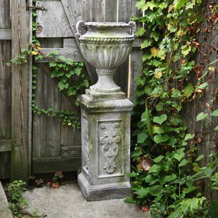 Pin By Tracy Cullen On Gardening In 2020 Urn Planters Planters Wall Planter