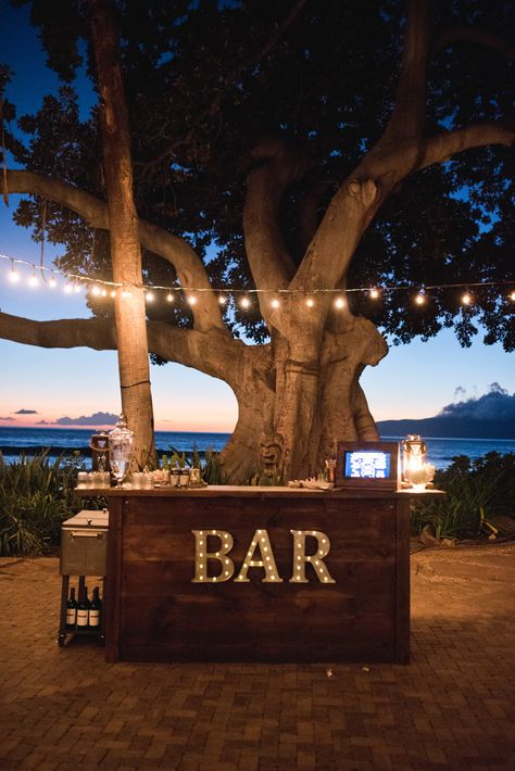 Simple Elegance at The Olowalu Plantation House A Perfect Paradise Wedding Plantation Homes, Maui Weddings, Simple Weddings, Small Beach Weddings, Diy Outdoor Bar, Outdoor Kitchen Bars, Outdoor Decor, Wedding Inspiration, Dream Wedding