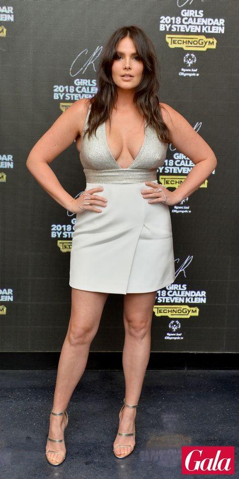 Anissa Kate In Einem Echt Sexy Kleid