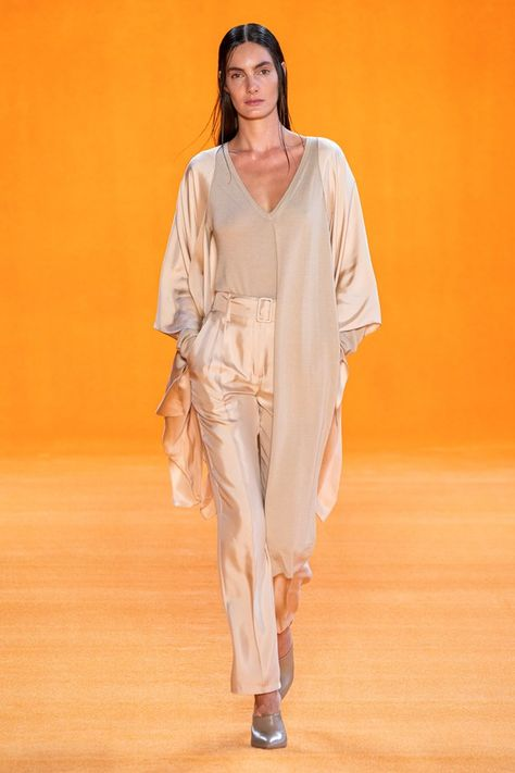 Sally LaPointe Spring 2020 Ready-to-Wear collection, runway looks, beauty, models, and reviews.