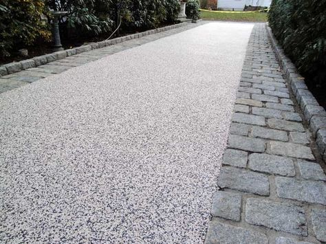 Grey Resin Bound Aggregate with wide sett trim