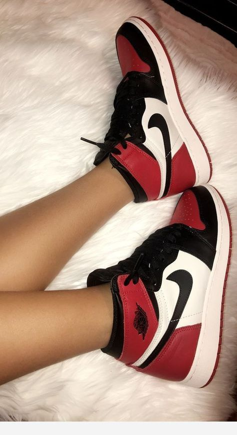 Nike Air Jordan 1 Brand new Red X Black X White Zapatillas Nike Jordan, Tenis Nike Air, Nike Air Shoes, Air Jordan Sneakers, Shoes Jordans, Outfits With Jordans, Nike 1s, Nike Shoes Outfits, Cute Nike Outfits
