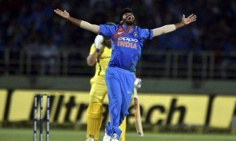 Bcci Recommends Bumrah Shami Jadeja Poonam For Arjuna Award Cricket News Cricket In India Bowling