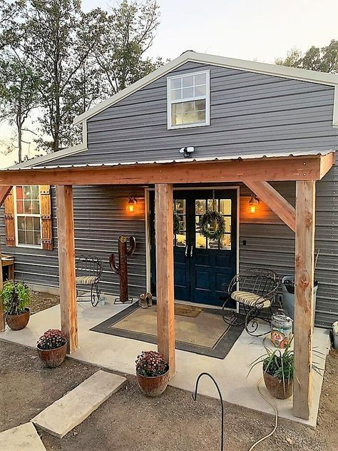 Here's the most amazing small barndominium you've ever seen. Former Death Row prison guard Bonieca Boatright shows how to build a 1200 sf barndo with class. Pole Barn House Plans, Pole Barn Homes, Small House Plans, Rustic Barn Homes, Metal House Plans, Pole Barn Garage, Craftsman House Plans, Metal Building Homes, Metal Homes
