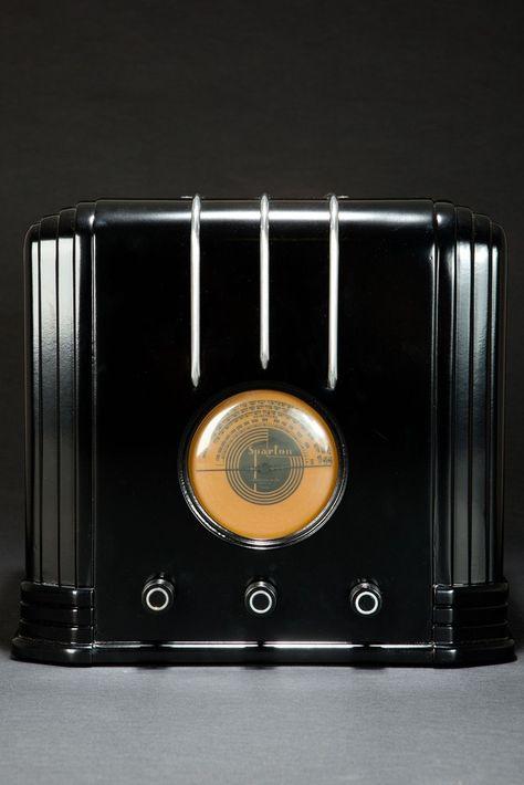 Ebony Sparton 517-B Radio Walter Dorwin Teague Art Deco Design | Radios | Decophobia | 20th Century Design