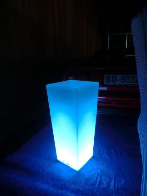 Luce Al Led.Porta Vaso In Polietilene Con Luce A Led Batteria Al Litio