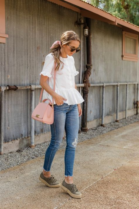 39 Pretty Spring Casual Outfit With Sneakers For Teen