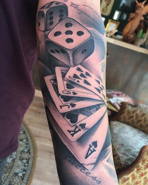 Poker Cards And Dice Com Imagens Tatuagem Masculina Braco