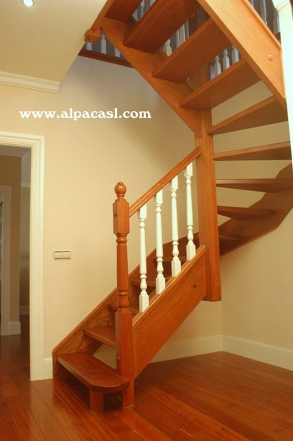 Fotos de escaleras de madera escalera de tijera final for Imagenes de escaleras de madera