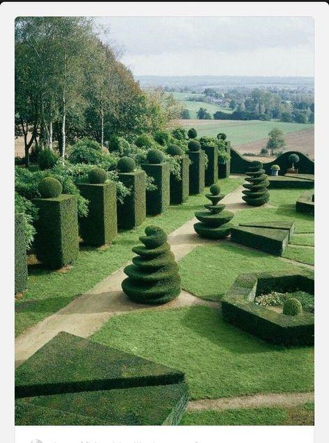 Jardin A La Francaise Jardin A L Europeenne Topiaires Buis
