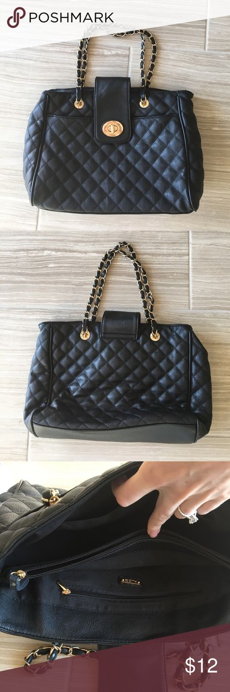 a6f57738ca1 Black quilted Aldo purse with gold chain straps Great Aldo purse. Black  quilted leather with