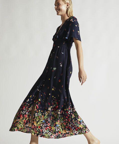55ae4626b53d5c Długa sukienka w kwiaty, 179 PLN - Długa sukienka z krótkim rękawem w  kwiaty.Wymiary ubrania: Całkowita długość od miejsca, w którym dekolt łączy  się z ...