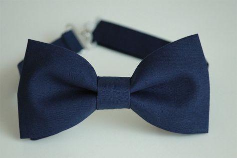 Navy bow tie, navy blue bow ties for men, blue boys bow tie, wedding bow tie, groom bowtie, groomsme