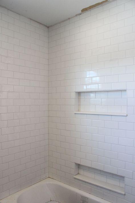 Marvelous 30+ Stunning White Subway Tile Bathroom Design https://freshouz.com/30-stunning-white-subway-tile-bathroom-design/ #home #decor #Farmhouse #Rustic