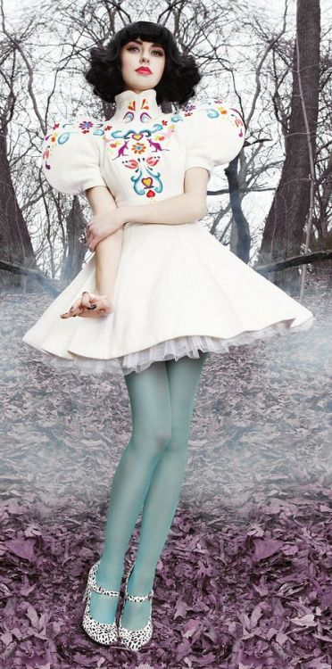 I love this cute dress these is the kind of dresses that i love to wear so adorable