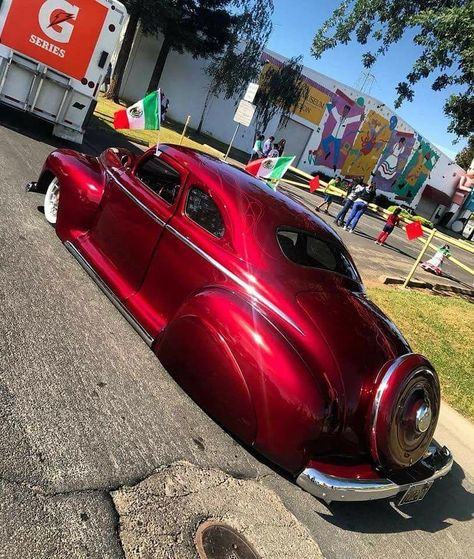 dominguezcustoms bringing the Pure sexiness!!! This 48 Plymouth tail draggin lead sled is fn BADASS!! #plymouth  #oldschool #badass #Fordclassiccars