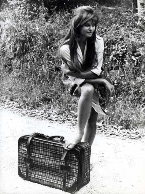 La Fille à La Valise : fille, valise, Fille, Valise