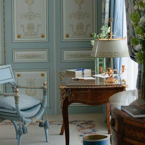 DUKE OF WINDSOR'S SITTING ROOM ~ Just as he left it in their villa in the Bois de Boulogne in Paris 16ème.