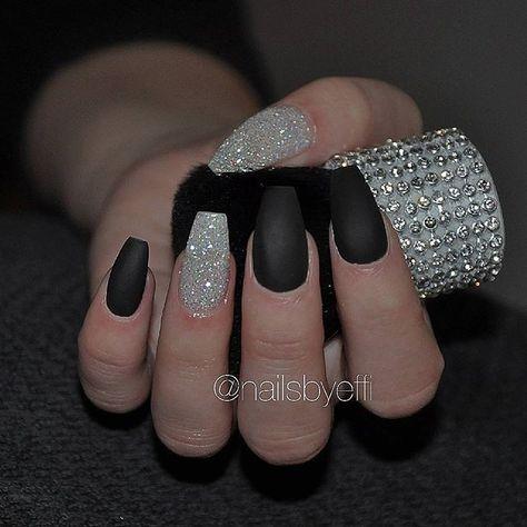 #Black #mattenails #white #glitter #diamond #gel #naglar #naglargöteborg #göteborg #förstärkning #gelenaglar #hudabeauty #svart