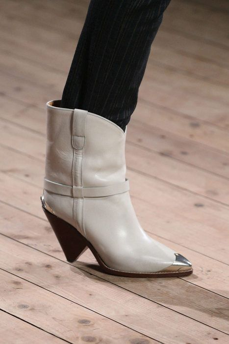 660b8be7f4c This shape of boot has now been seen in multiple designer's ...