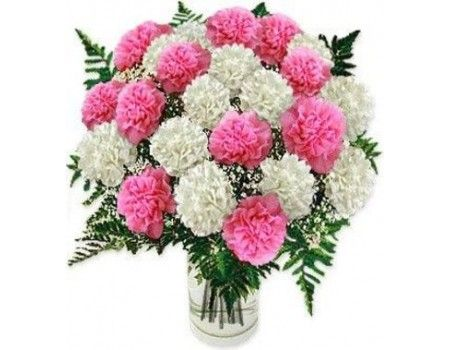 Carnation Bouquet Pink White 15 Gorgeous Carnations With A Glass Vase That Shows Your Best Smelling Flowers Smelling Flowers Funeral Flower Arrangements