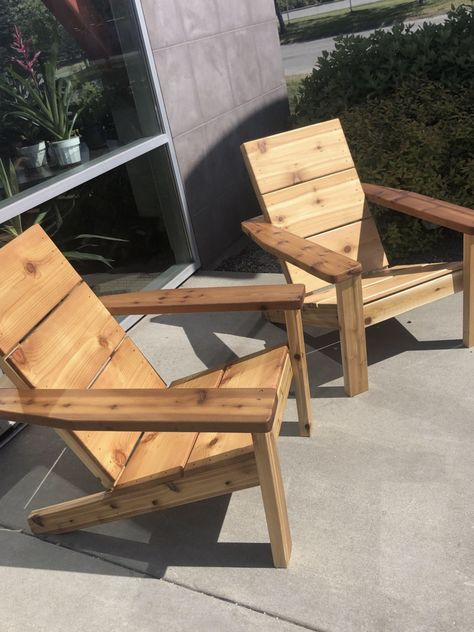Anarondak Chairs, Wood Patio Chairs, Wood Adirondack Chairs, Cool Chairs, Outdoor Chairs, Pallet Chairs, Pallet Furniture Designs, Wood Pallet Furniture, Diy Outdoor Furniture