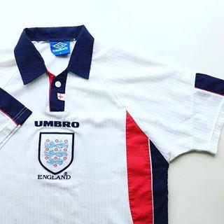 Pin By Vespasteve On Cool Things Retro Football Shirts Vintage Football Shirts Football Shirts