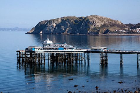 For a romantic seaside retreat, Llandudno is the place to  go.
