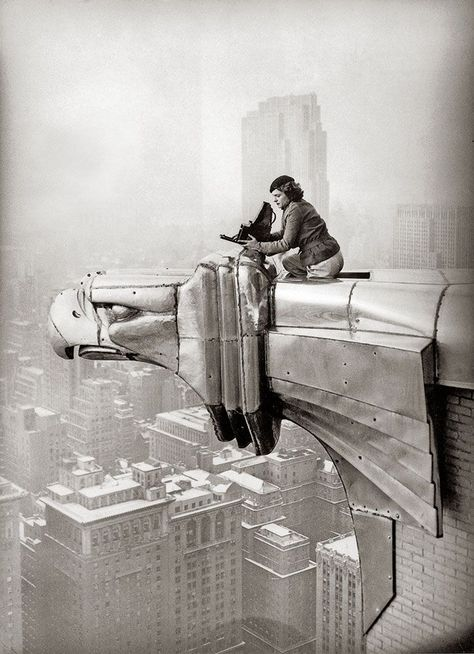 MARGARET BOURKE-WHITE TAKING PHOTOS FROM THE CHRYSLER BUILDING, NYC 1937