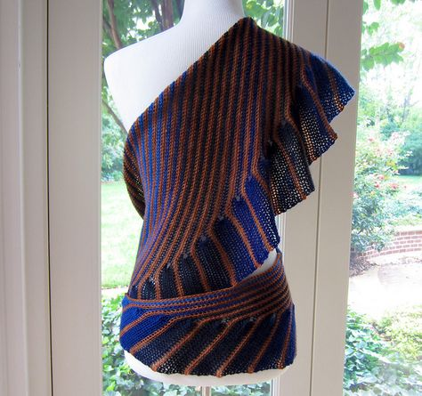 Ravelry: Cate's Wrap - crochet pattern by Julie Blagojevich -         ♪ ♪ ... #inspiration #crochet  #knit #diy GB