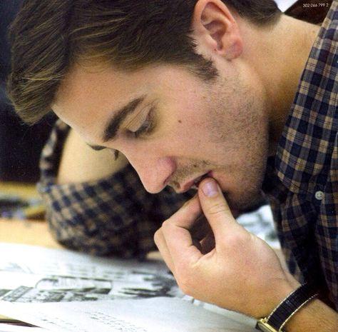 just-jake-gyllenhaal: Jake Gyllenhaal | Zodiac (2007) pinching his lip-- no, no, please-allow me!